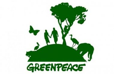 Photo What does Greenpeace do?
